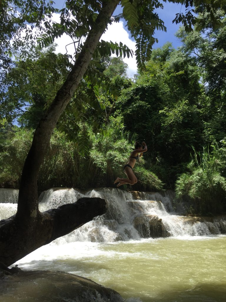 laos-waterfall-jumping