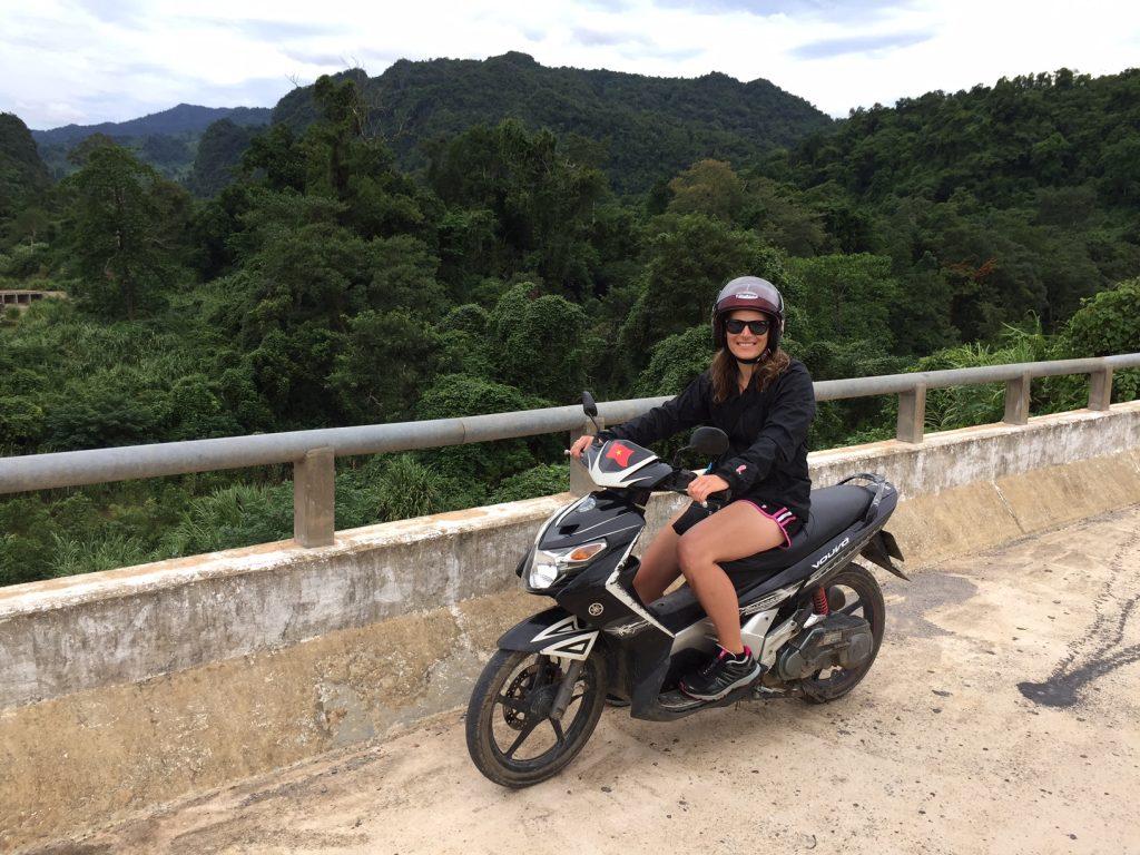 vietnam-phong-nha-scooter